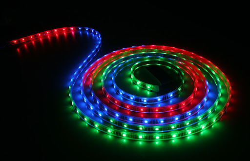 STRISCIA LED STRIP LIGHT RGB 5 MT - PIANURA Informatica